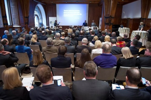 EVA:n verokeskustelu Kansallissalissa Helsingissä 27. tammikuuta 2014.
