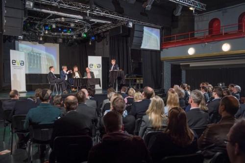 Gloria-salissa järjestettyyn tilaisuuteen osallistui yli 100 EVAn verkoston jäsentä.