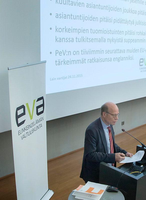 Perustuslakia on päivitettävä – EVA Raportti