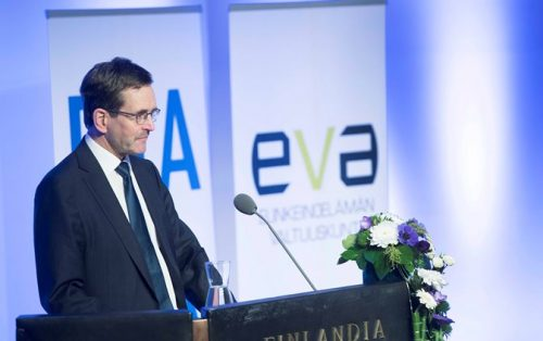 Tilaisuuden avauspuheenvuoron piti Etlan ja EVAn toimitusjohtaja Vesa Vihriälä.