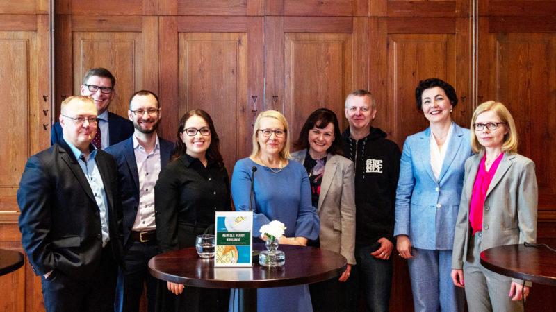 Miten Suomi menestyy verokilpailussa? Yritysjohtajat keskustelivat Kansallissalissa