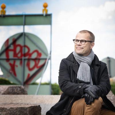 """Toimittaja Terho Puustinen: """"Skenaarioajattelussa otetaan etäisyyttä tämän hetken ajatuksiin ja omiin käsityksiin"""""""